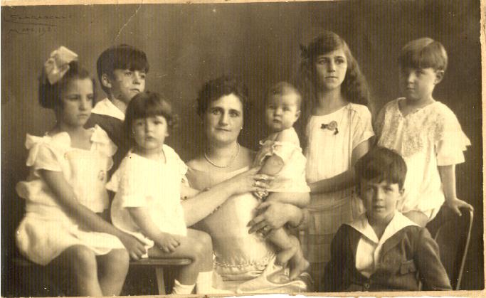 mami con sus hijos